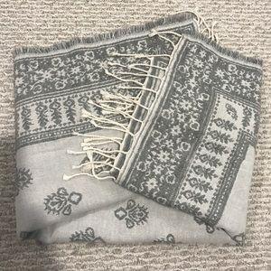 Abercrombie & Fitch big scarf gray super soft warm